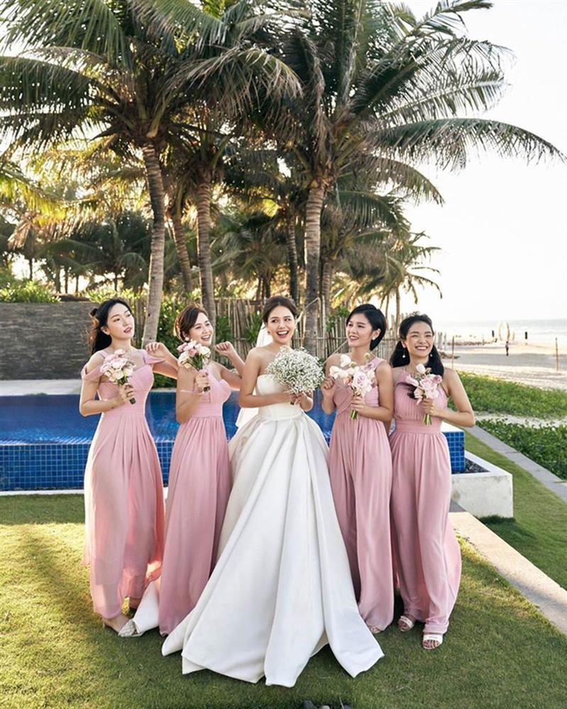 Dàn phù dâu toàn hot girl đời đầu trong lễ cưới Phanh Lee-9