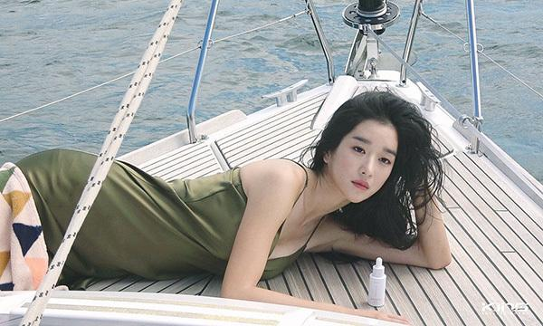 Điên nữ Seo Ye Ji sở hữu mình hạc xương mai - vòng eo siêu thực-6