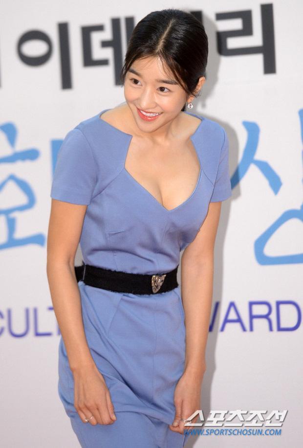 Điên nữ Seo Ye Ji sở hữu mình hạc xương mai - vòng eo siêu thực-9