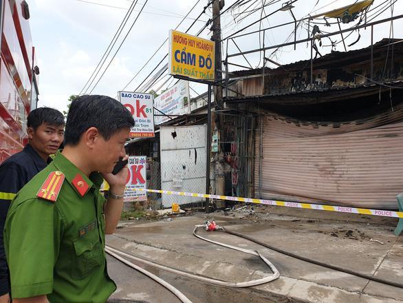 Nóng: Cháy tiệm cầm đồ ở Bình Dương giữa ban ngày, ít nhất 3 người tử vong-2
