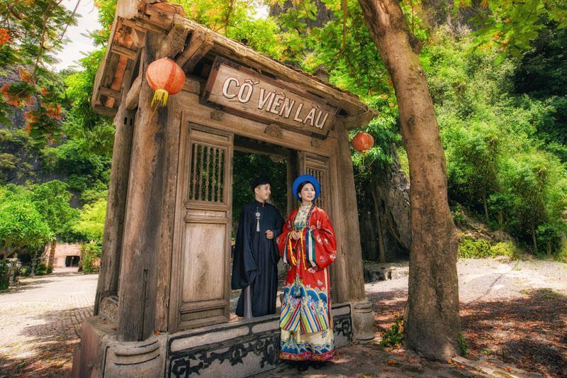 Ảnh cưới xuyên không của cô nàng Phú Quốc chủ động cầm cưa crush bằng list nhạc thất tình-9