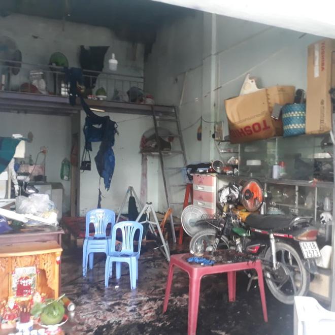 Vụ cháy tiệm cầm đồ ở Bình Dương: 2 vợ chồng và con trai 6 tuổi tử vong, nghi đốt nhà tự tử-2