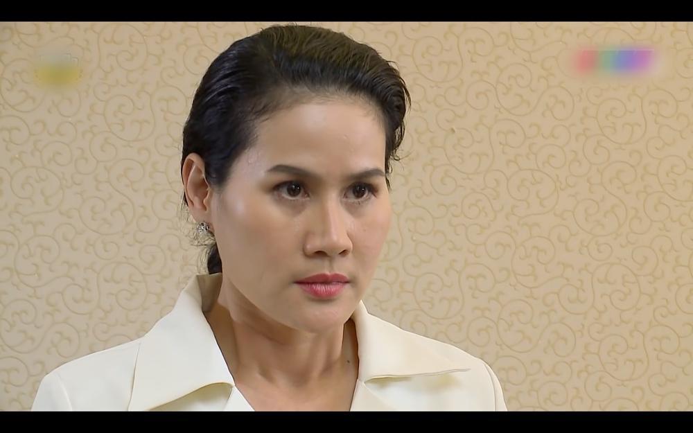 Nhật Kim Anh ăn tát xây xẩm mặt mày trong Vua Bánh Mì phiên bản Việt-10