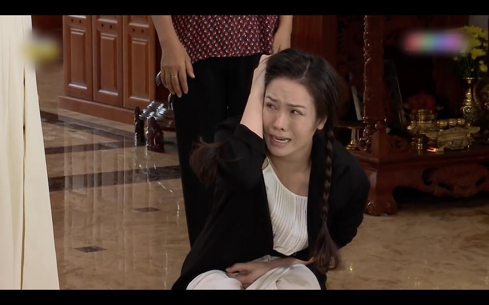 Nhật Kim Anh ăn tát xây xẩm mặt mày trong Vua Bánh Mì phiên bản Việt-8