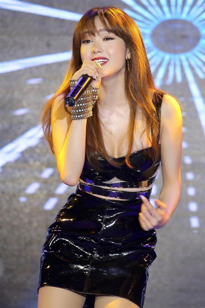 Minh Hằng không đồng tình khi bị chê hát live yếu-2