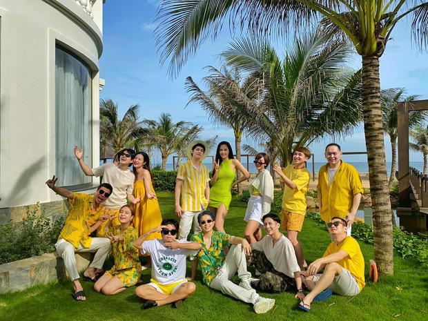 Phát sốt với clip Noo Phước Thịnh kéo khóa váy cho Mai Phương Thúy-1