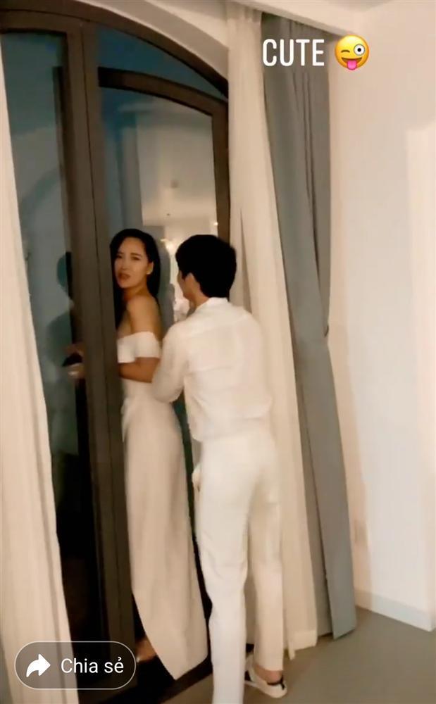 Phát sốt với clip Noo Phước Thịnh kéo khóa váy cho Mai Phương Thúy-6