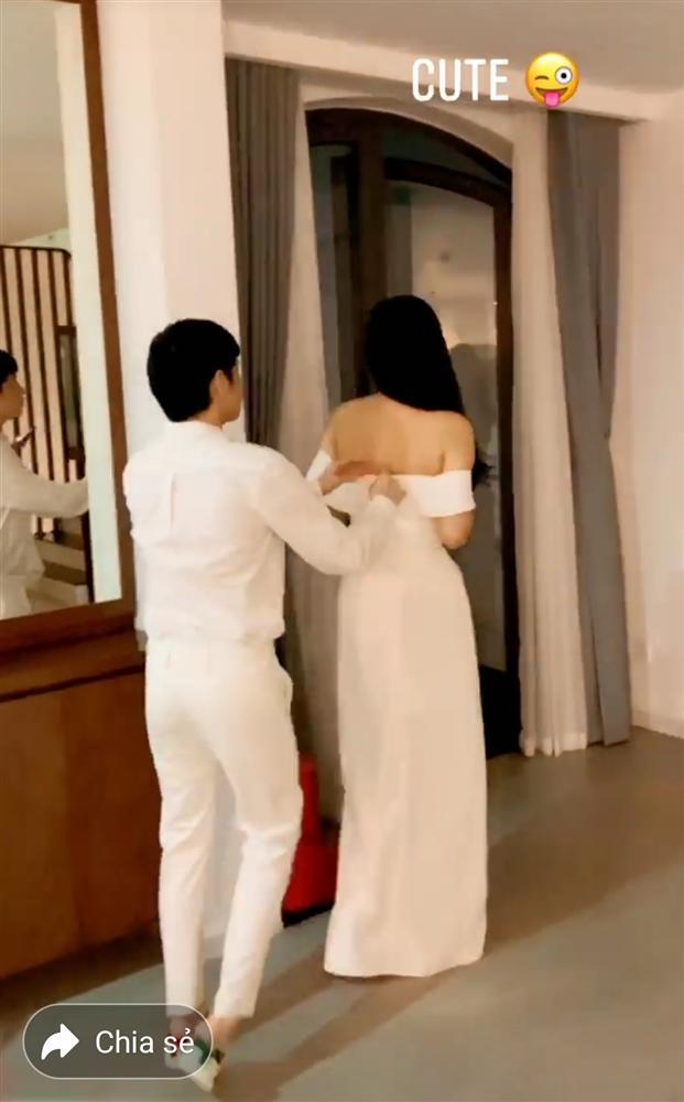 Phát sốt với clip Noo Phước Thịnh kéo khóa váy cho Mai Phương Thúy-5