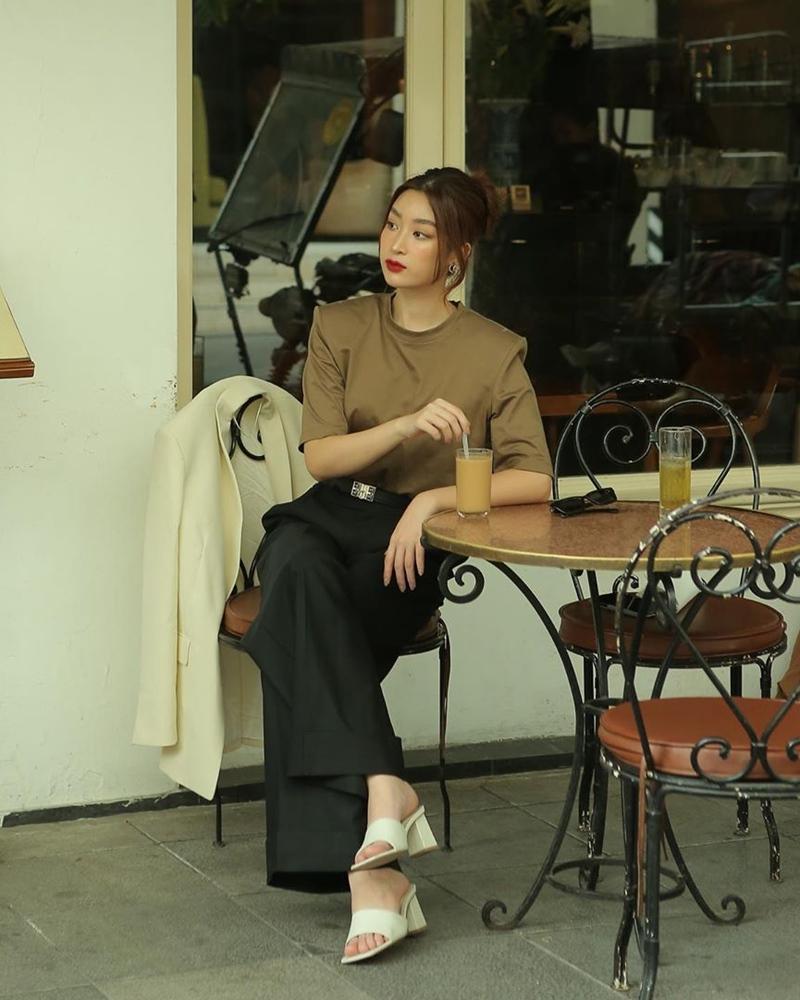 Lệ Quyên xách túi Hermès giữa bão hàng giả - Hương Giang e ấp gái mới lớn-4
