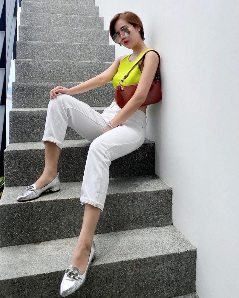 Lệ Quyên xách túi Hermès giữa bão hàng giả - Hương Giang e ấp gái mới lớn-6