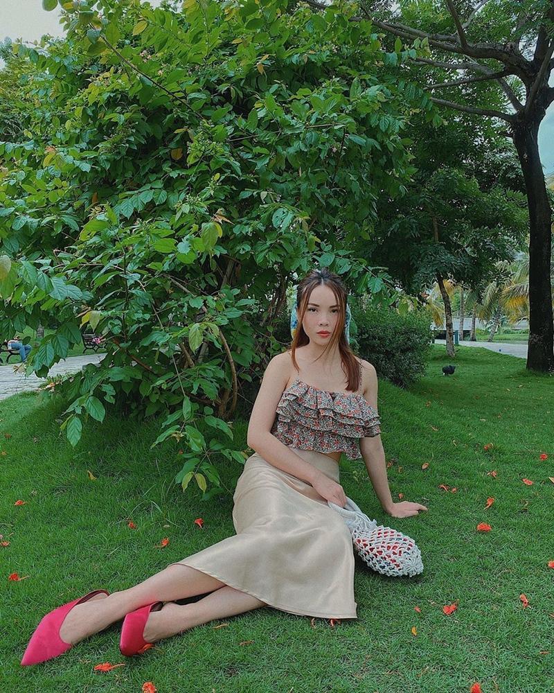 Lệ Quyên xách túi Hermès giữa bão hàng giả - Hương Giang e ấp gái mới lớn-10