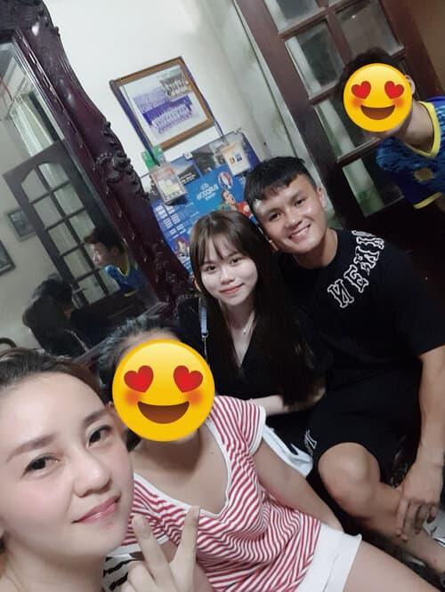 Không chỉ gần gũi mẹ chồng tương lai, Huỳnh Anh còn rất thân với chị dâu Quang Hải-4