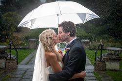 Cơn mưa thích nhất tiết lộ điều gì về đám cưới của bạn trong tương lai?