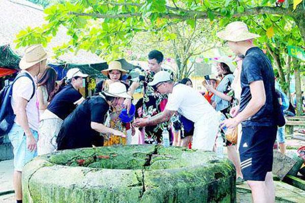 Bí ẩn về sự thần kỳ của giếng cổ ở Cù Lao Chàm, uống vào là sẽ có người yêu-1