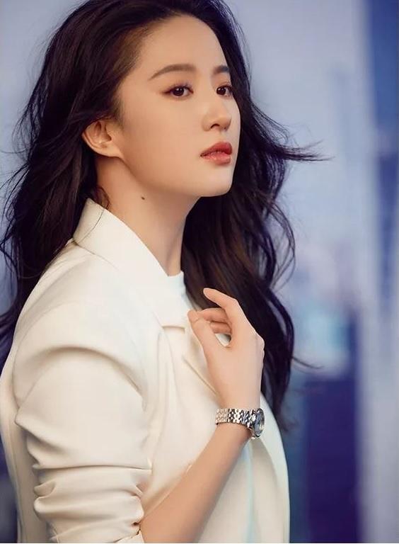 Ảnh hậu trường phim võ thuật 12 năm trước của Lưu Diệc Phi-2