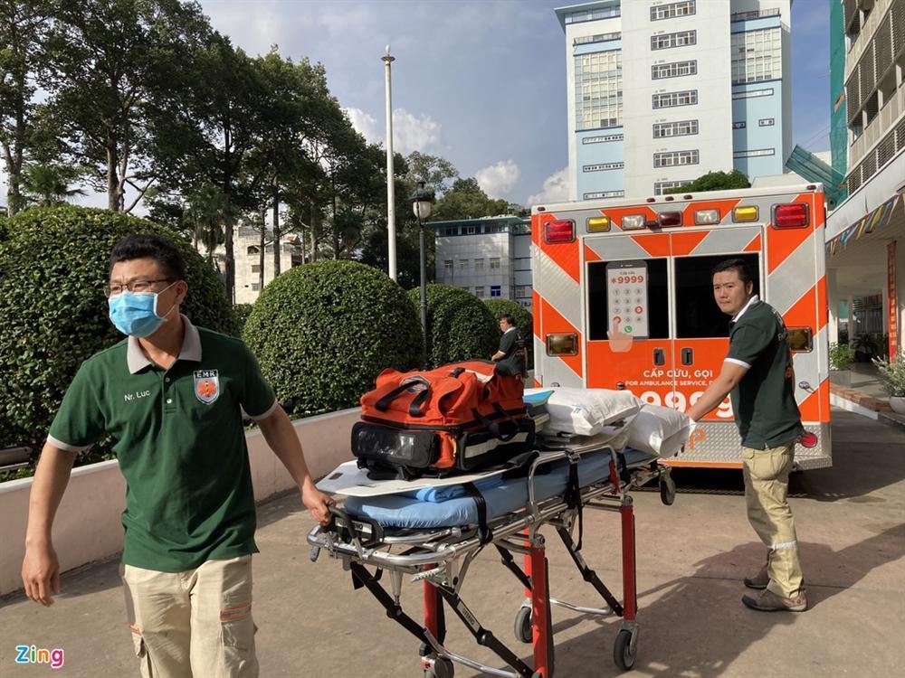 Bệnh nhân 91 lên máy bay bắt đầu hành trình về nước-5