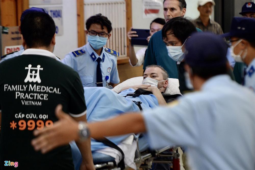 Bệnh nhân 91 lên máy bay bắt đầu hành trình về nước-6