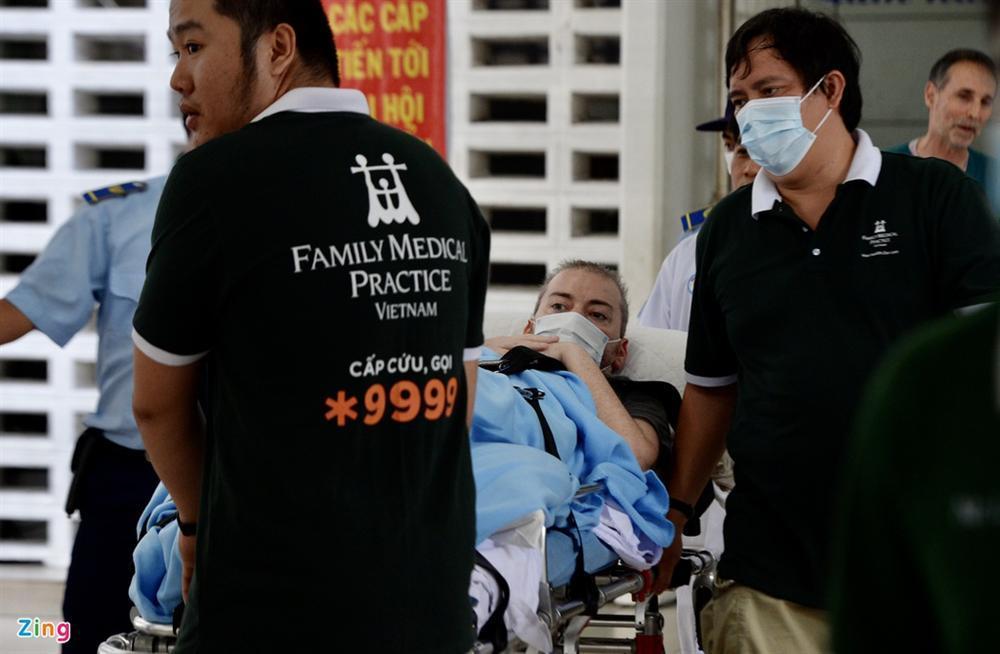Bệnh nhân 91 lên máy bay bắt đầu hành trình về nước-9