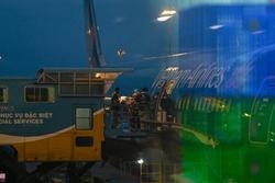 Bệnh nhân 91 lên máy bay bắt đầu hành trình về nước