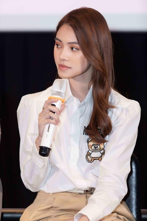Hoa hậu người Việt tại Úc Jolie Nguyễn lần đầu đóng phim đã sắm hàng hiệu gây choáng-2