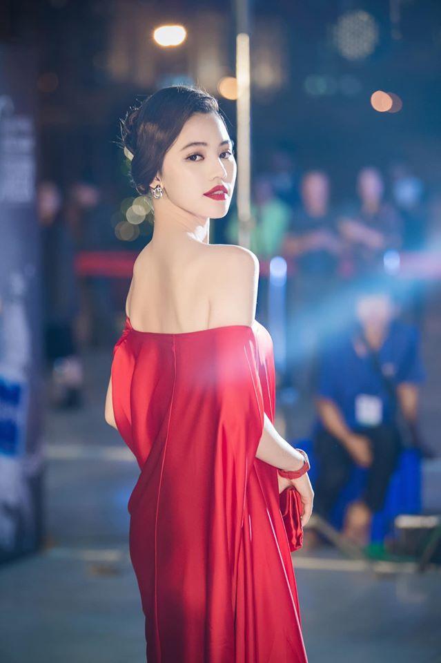 Jolie Nguyễn nói về nguồn gốc của hàng trăm món đồ hiệu sang chảnh nhiều tỷ đồng-8