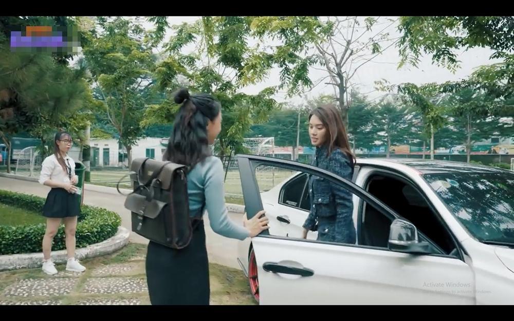 Hoa hậu người Việt tại Úc Jolie Nguyễn lần đầu đóng phim đã sắm hàng hiệu gây choáng-4