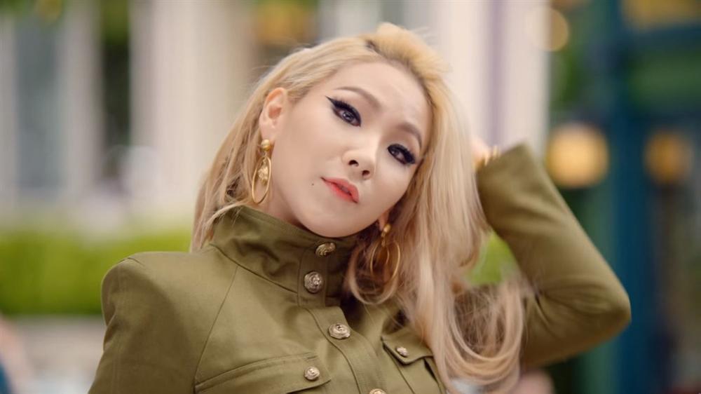 HyunA và loạt mỹ nhân trong MV tỷ view của Psy giờ ra sao?-5