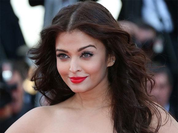 Hoa hậu đẹp nhất mọi thời đại Aishwarya Rai dương tính với Covid-19-1