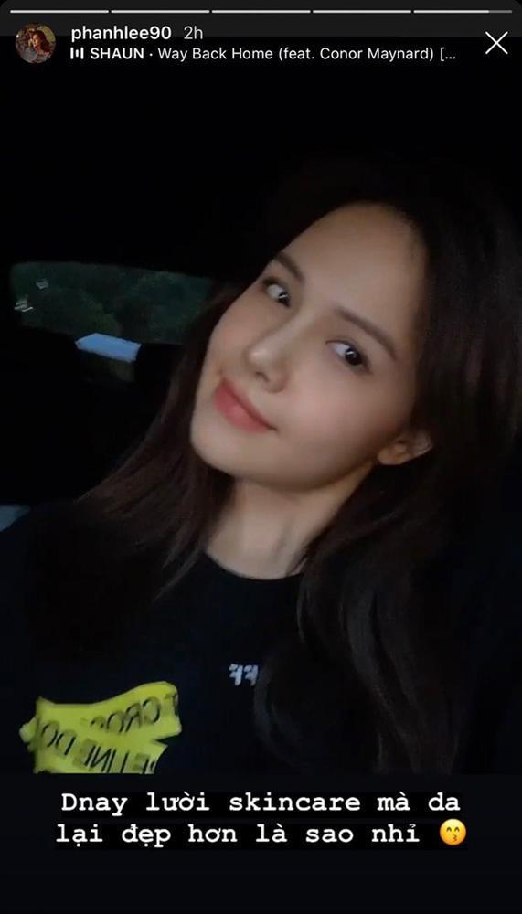 Phanh Lee khoe lười skincare da lại đẹp hơn, dân tình đoán chắc chồng tổng giám đốc chăm khéo-1