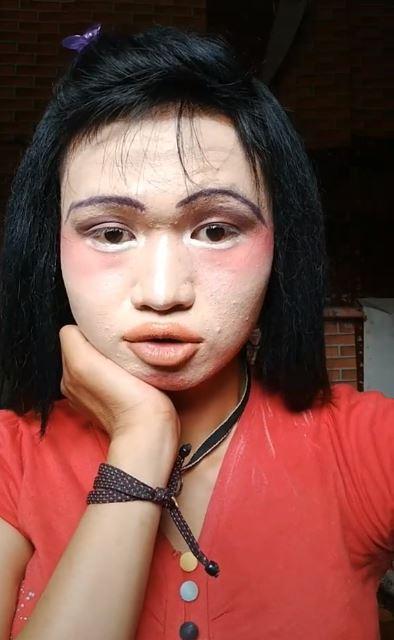 Nhan sắc thật cô gái sau màn make up xấu ma chê quỷ hờn khiến ai nấy đều sốc-1