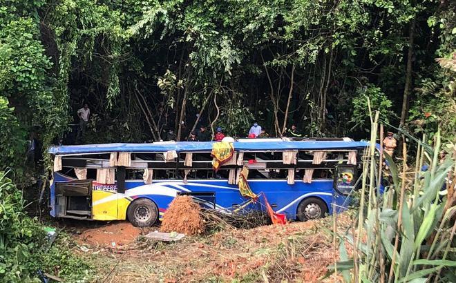 Tình trạng các nạn nhân trong vụ xe khách lao xuống vực ở Kon Tum giờ ra sao?-2