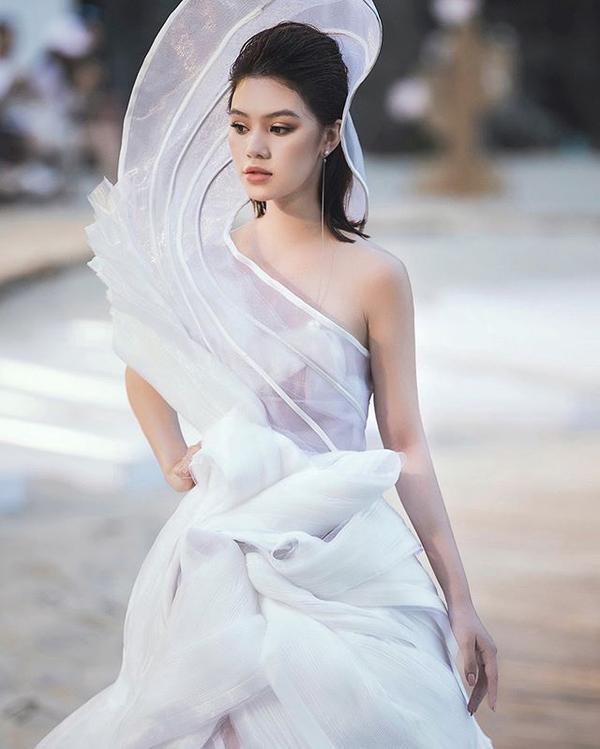 Jolie Nguyễn - mỹ nhân từng khiến giới giải trí ngả mũ nhờ loạt triết lý sống đạo đức-6