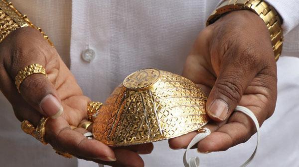 Xuất hiện khẩu trang kim cương giá 130 triệu đồng, nhà giàu săn lùng mùa Covid-19-5