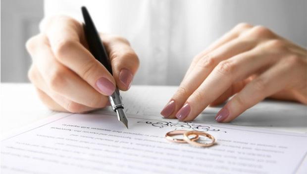Vì sao phải ghi tên người dự định cưới trong giấy xác nhận độc thân để kết hôn?-1