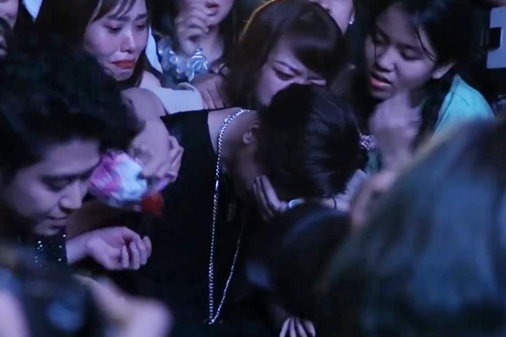 K-ICM: Không ai dạy tôi cách khóc đẹp-5