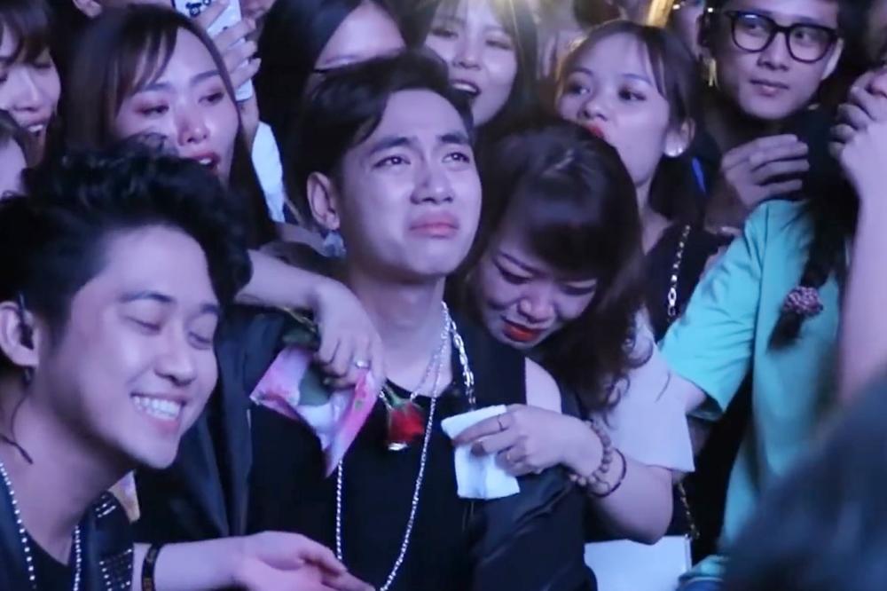 K-ICM: Không ai dạy tôi cách khóc đẹp-6