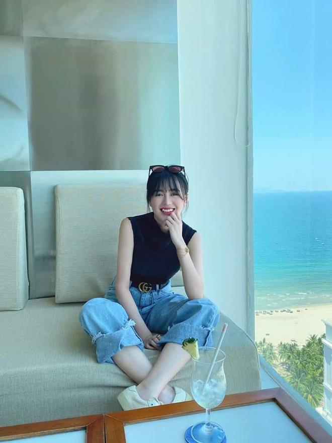 Huỳnh Anh được đồng nghiệp của Quang Hải gọi là quý bà vì kiểu tóc, trang phục-2