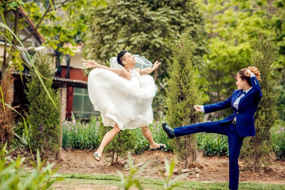 Cặp đôi khỏa thân nằm giữa đường chụp ảnh cưới gây tranh cãi-4