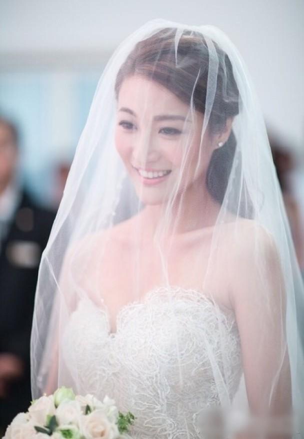 Mỹ nhân TVB ép chồng phải xem cảnh nóng của mình-3