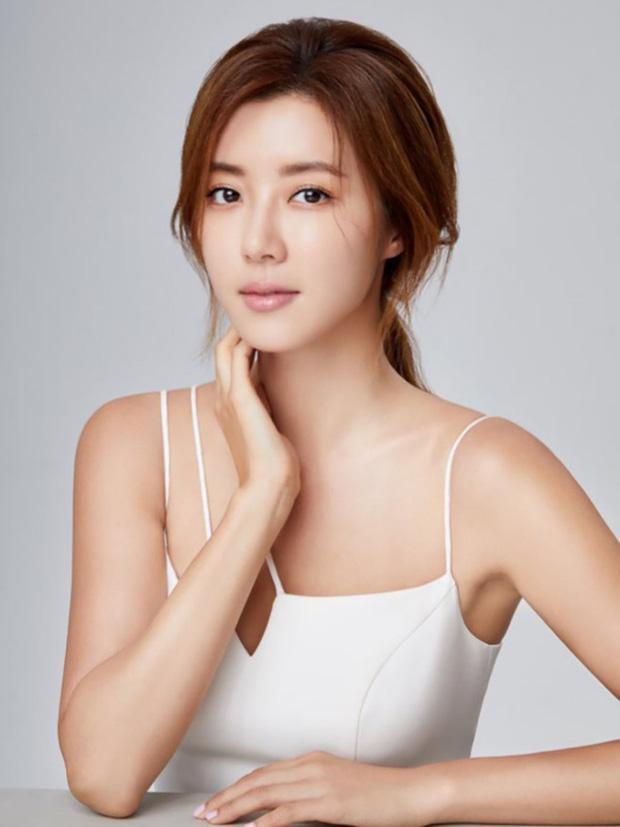 Park Han Byul tủi hổ rời Seoul, tạm ngưng nghiệp diễn sau bê bối của chồng-1