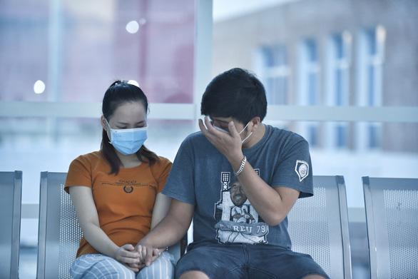 Bắt đầu ca đại phẫu cân não kéo dài 12 giờ tách rời cặp song sinh phức tạp nhất Việt Nam-5