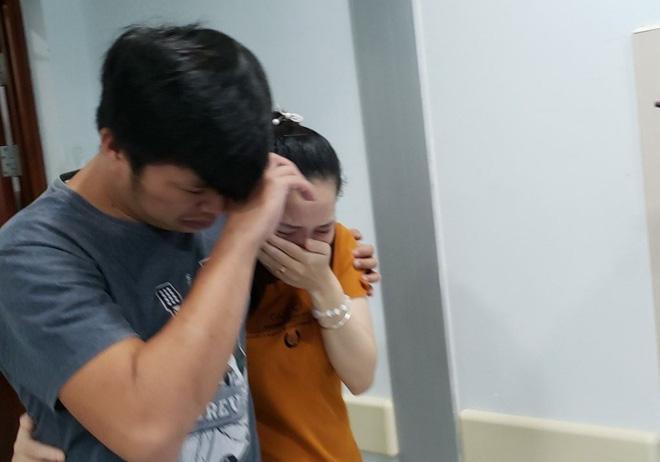 Cập nhật: Hình ảnh từ phòng đại phẫu sinh tử, tách 2 bé dính nhau khó nhất Việt Nam-6