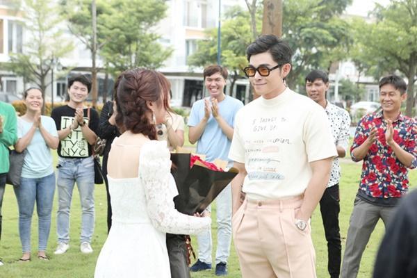 Dàn cameo nguyên bộ hài Vbiz xuất hiện trong MV Châu Đăng Khoa - Orange-5