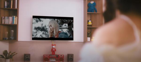 Dàn cameo nguyên bộ hài Vbiz xuất hiện trong MV Châu Đăng Khoa - Orange-6