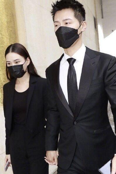 Thiên kim tiểu thư vua sòng bài Hà Hồng Sân update MXH sau lễ tang cha-9