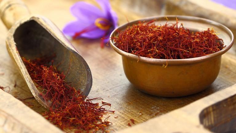 Ngọc Trinh, Tú Anh, Hải Băng lăng xê saffron, dược liệu này có thần thánh như lời đồn?-5
