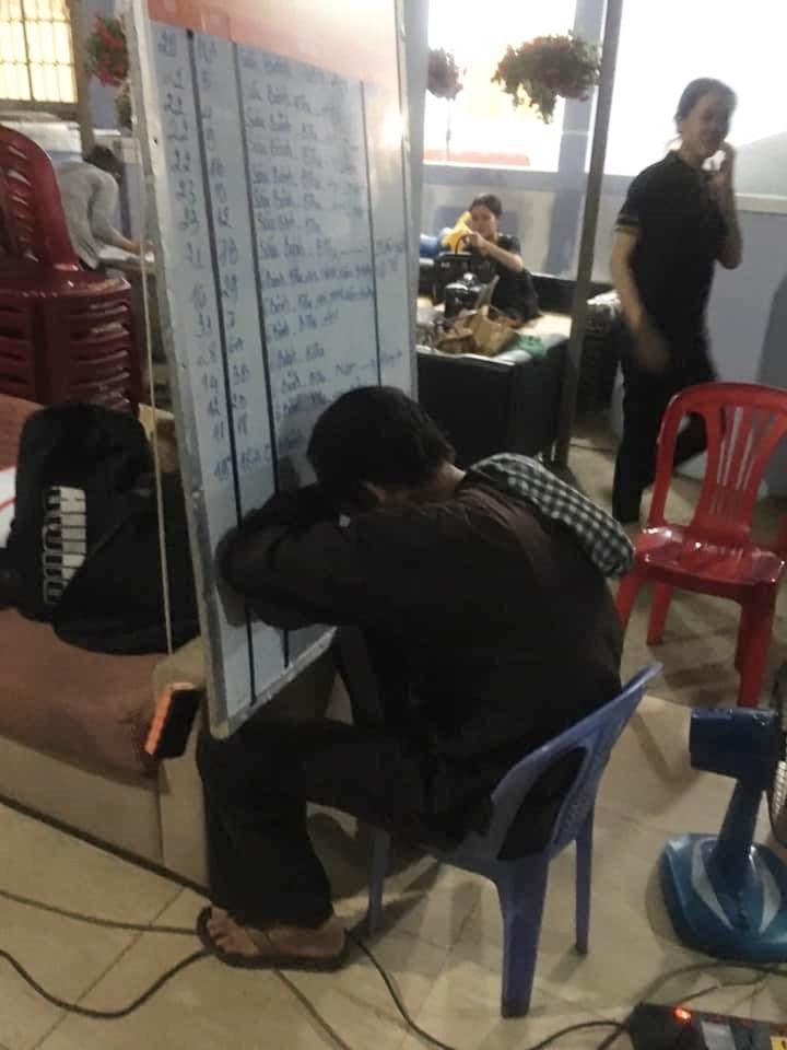NSƯT Hoài Linh tiết lộ bí quyết chống đạo diễn bắt đóng phim đến đêm-5