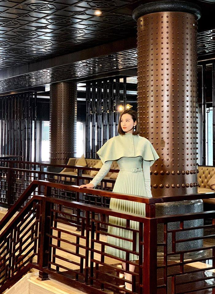 Phương Oanh, Lã Thanh Huyền đua nhau trưng diện hàng hiệu trên phim-8
