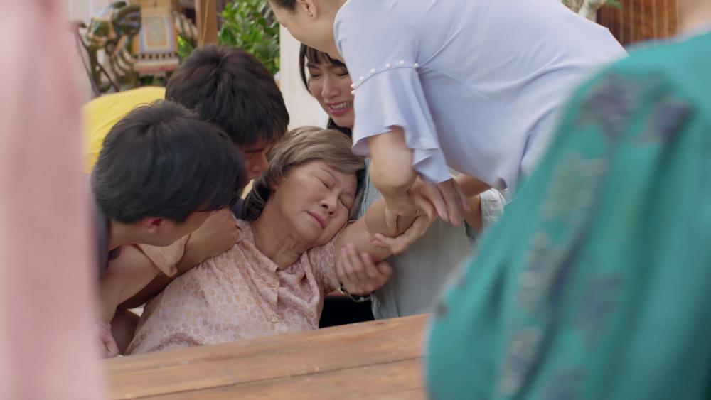 Gạo nếp gạo tẻ phần 2 tập 15: Thúy Ngân tiếp tục bị mẹ ruột bỏ rơi-10