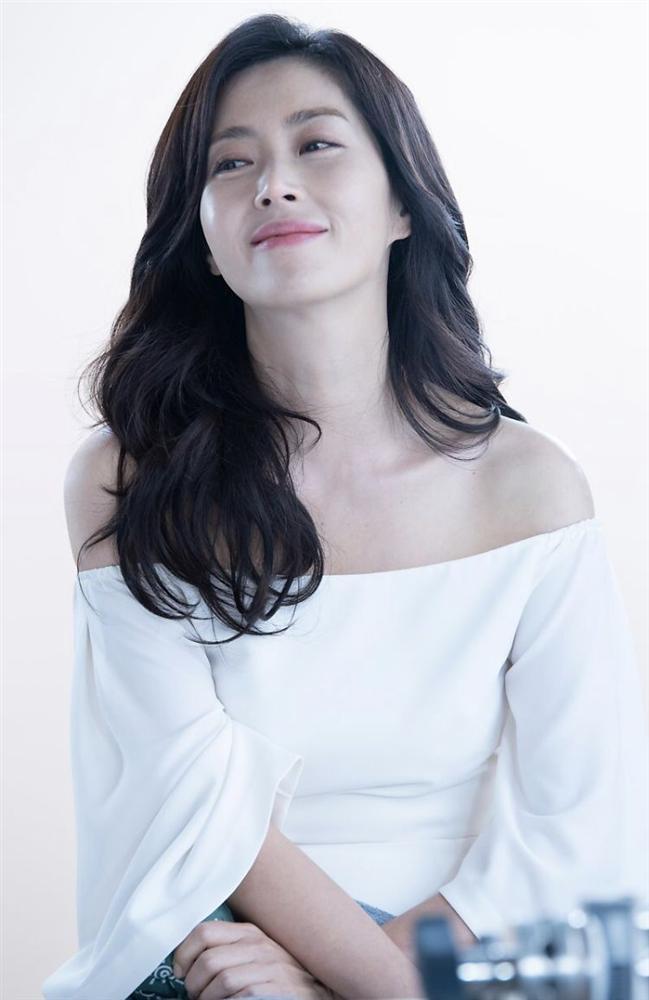 Hội bạn thân của chị đẹp Son Ye Jin quy tụ toàn gương mặt quyền lực-9